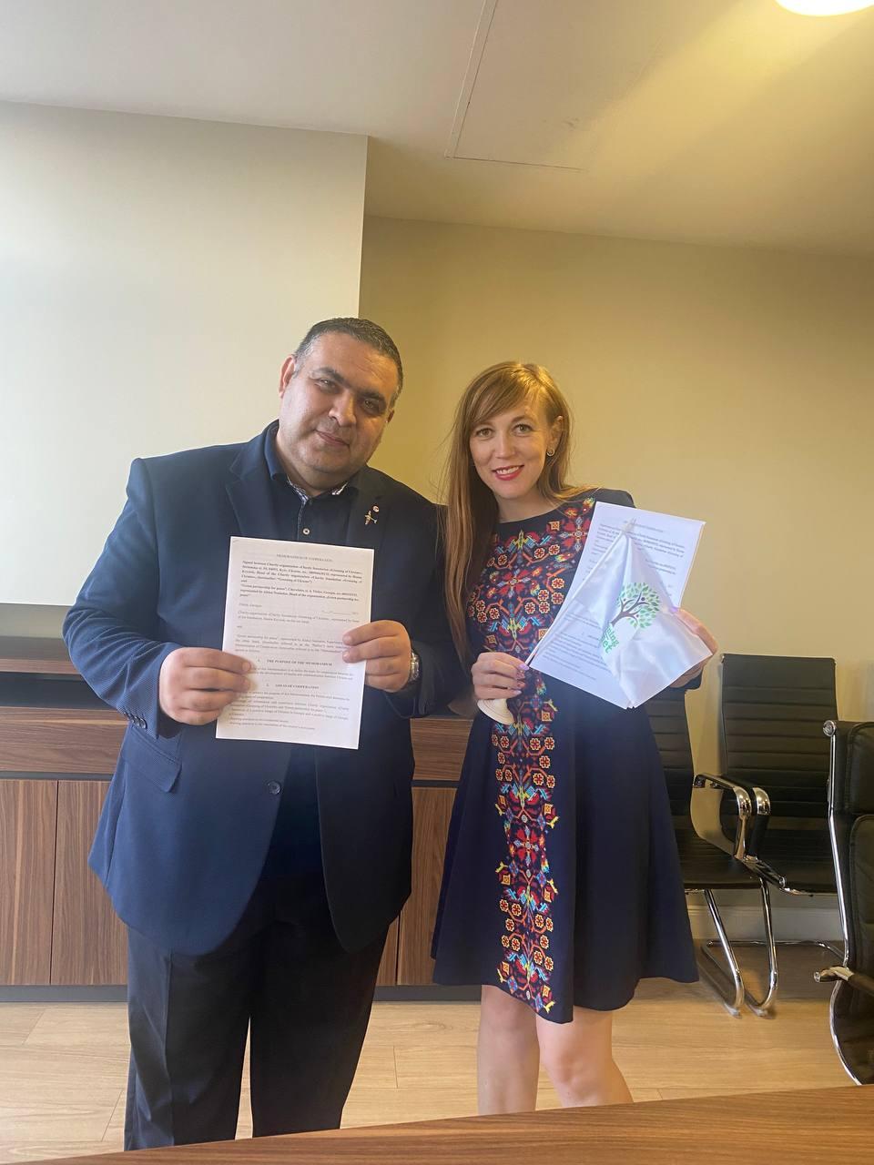 """Зустріч і підписання меморандуму з організацією """"Зеленое партнерство ради мира""""."""